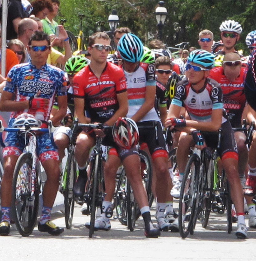 Andy Schleck and racers listen to the National Anthem