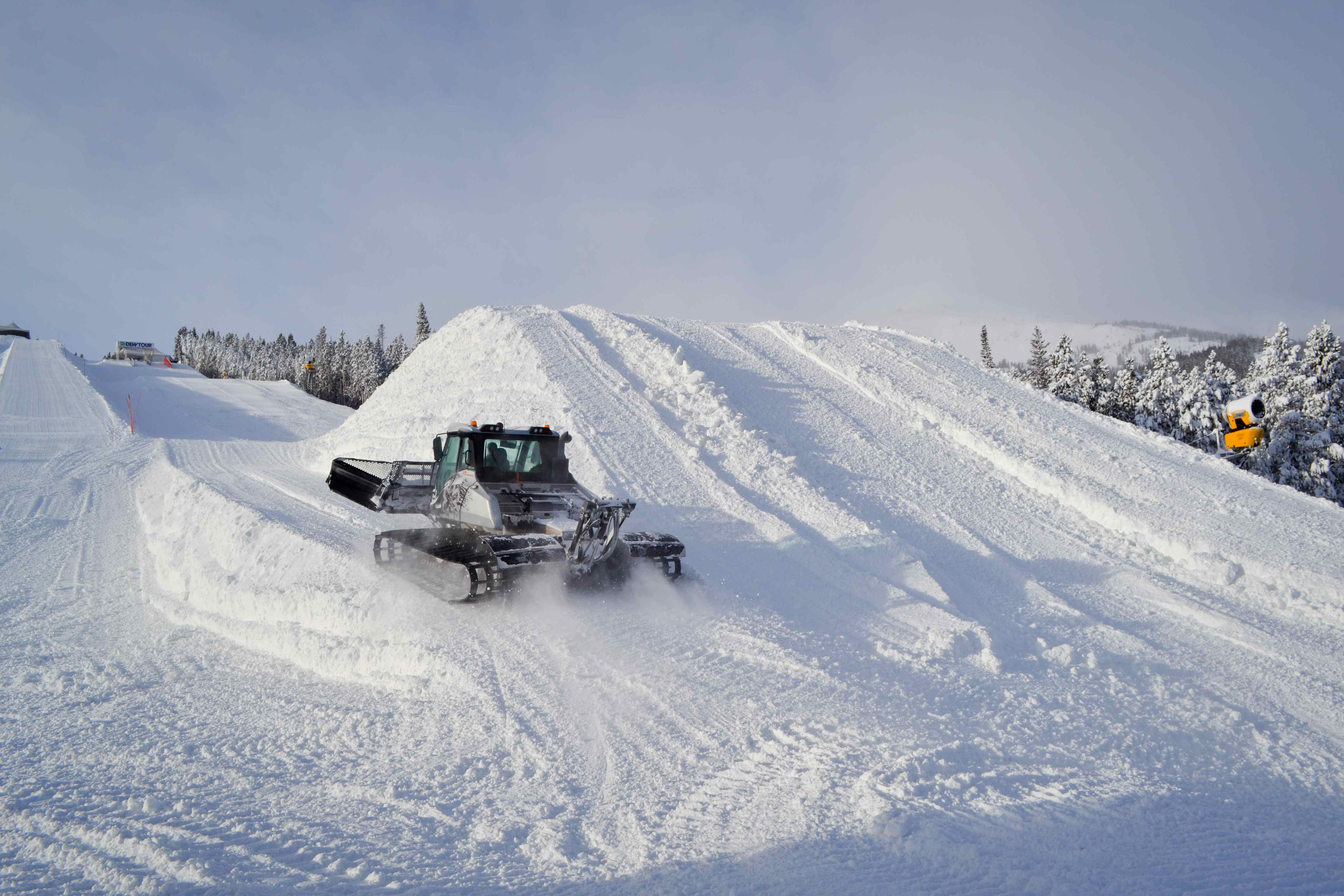 Snow cat on the Dew Tour course