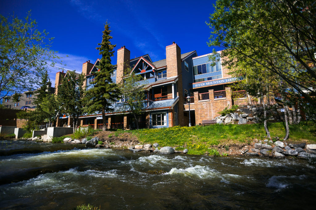 River Mountain Lodge