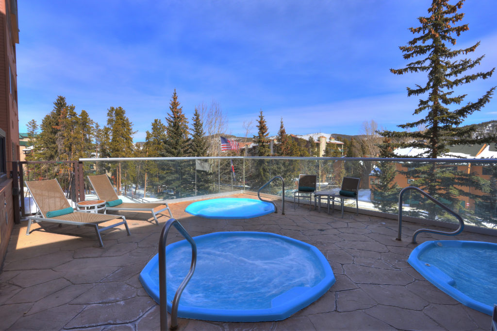 Hot Tubs at DoubleTree Hilton Breckenridge